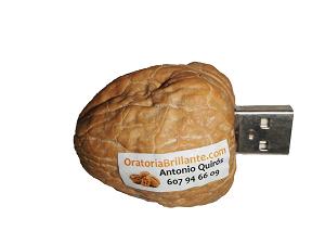 Nuez memoria USB El coach de las nueces www.oratoriabrillante.es